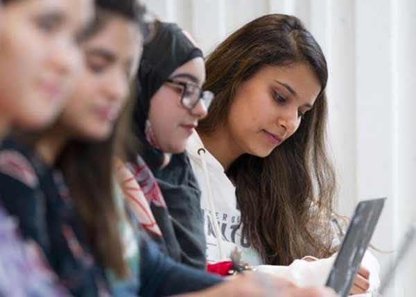 Estudiar en el extranjero | Guía paso a paso (Actualizada) | ¿Qué hay que hacer para estudiar en el extranjero? | Sitio Web Oficial Becas.org.es