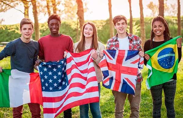 Estudiar en el extranjero | Guía paso a paso (Actualizada) | 5 Beneficios que obtendrás si estudias en el extranjero ✅ | Sitio Web Oficial Becas.org.es