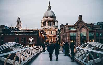 Las becas Chevening, el mejor destino de un estudiante internacional para vivir y estudiar es Inglaterra | Estudia Gratis - Sitio Web Oficial - becas.org.es